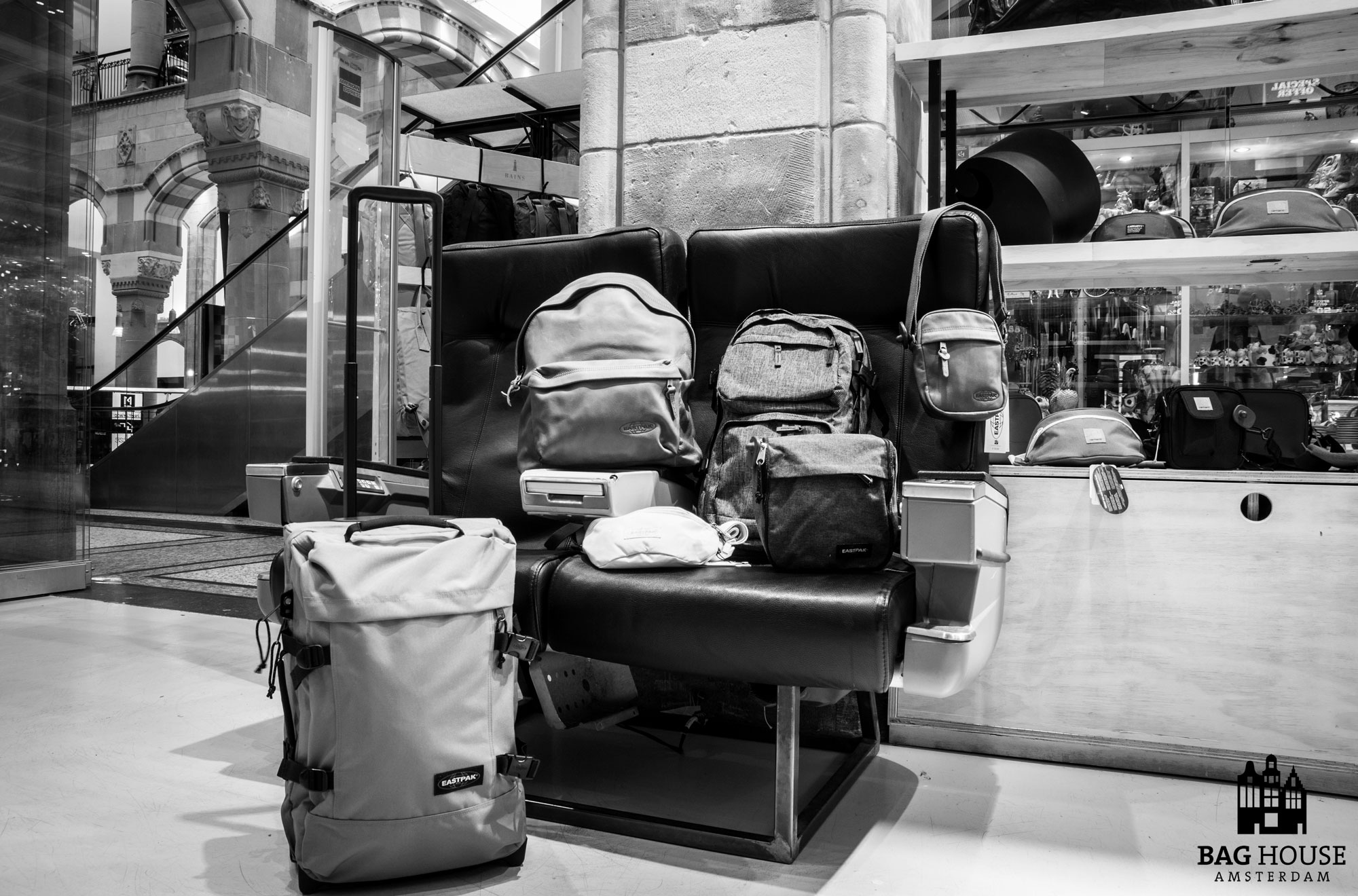 Baghouse Amsterdam for Travel Bags, Backpacks, Suitcases, Wallets. 2 hours delivery in Amsterdam!